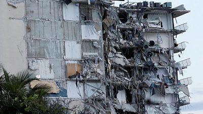 Rescatistas apuran búsqueda de sobrevivientes tras derrumbe en Miami, hay 159 desaparecidos