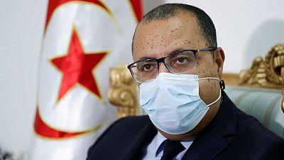 رئيس الوزراء التونسي يقيل وزير الصحة وسط انتقادات بشأن أزمة كورونا