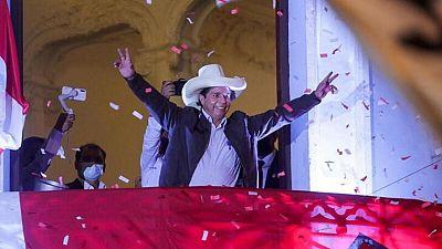 Castillo hace planes y gestos de gobernante mientras espera anuncio de ganador elecciones en Perú