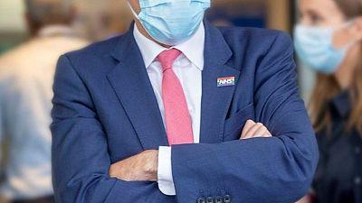 استقالة وزير الصحة البريطاني بعد خرق قواعد مكافحة فيروس كورونا