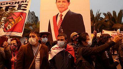 Jurado electoral supera impase para culminar proceso, Fujimori y Castillo alistan protestas