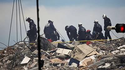 بعد انهيار مبنى فلوريدا السلطات تخلي برجا مماثلا