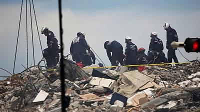 Israeli, Mexican rescuers bring distinct experience to Miami building collapse