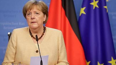 Merkel keeps up case for EU talks with Russia despite objections