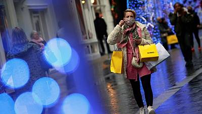 UK shopper numbers flat last week on variable weather -Springboard