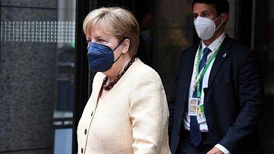 ميركل تواصل السعي لإجراء محادثات بين الاتحاد الأوروبي وروسيا رغم الاعتراضات