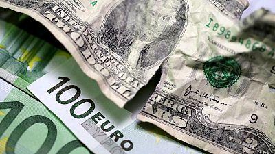 FOREX-Dólar sube; la corona sueca se mantiene firme pese a dimisión de primer ministro