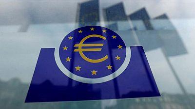 Debate entre moderados y duros del BCE se enciende en torno a reducción de estímulo