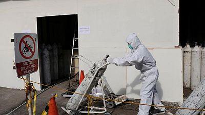 Los casos del virus en todo el mundo superan los 181,45 millones y las muertes alcanzan las 4.086.690