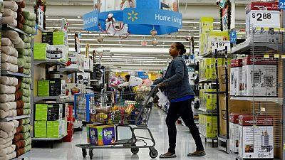 Resumen-Confianza de los consumidores estadounidenses se acerca a máximo de un año y medio