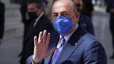 تركيا تقول إنها تجري محادثات مع روسيا لتمديد توصيل المساعدات إلى سوريا