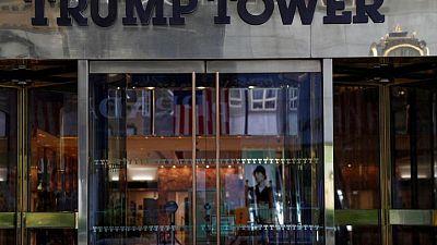 Empresa de Trump y su presidente financiero se enfrentarían a cargos penales el jueves: fuente