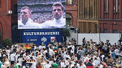 """Berlín reprende a la UEFA por la """"irresponsabilidad"""" de los espectadores de la Eurocopa"""