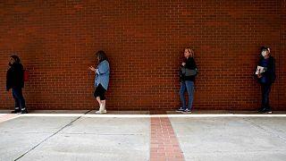 تراجع طلبات إعانة البطالة الأسبوعية بالولايات المتحدة