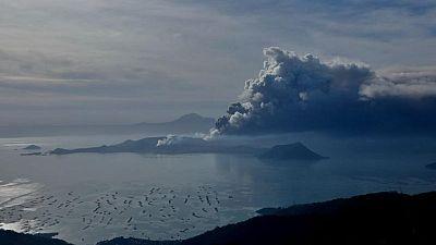 Filipinas organiza evacuación masiva por aumento de nivel de peligrosidad de volcán