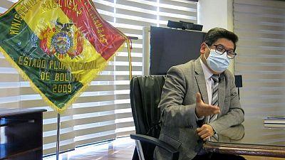 Bolivia busca estabilizar su economía con vacunas y oro, dice ministro de Economía