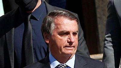 رئيس البرازيل يقول إنه لن يسلم السلطة إذا حدث تزوير للانتخابات