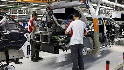 España registra en junio el mayor descenso mensual del desempleo en los registros