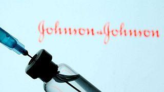 J&J prevé vender 2.500 millones de dólares en vacunas contra la COVID-19 este año