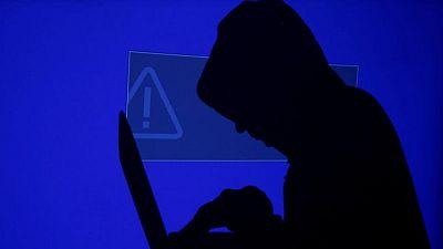 بايدن يأمر بتحقيق في هجوم إلكتروني أصاب مئات الشركات الأمريكية
