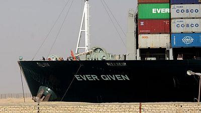 اتفاق ينهي أزمة السفينة ايفر جيفن والسفينة تغادر قناة السويس الأربعاء