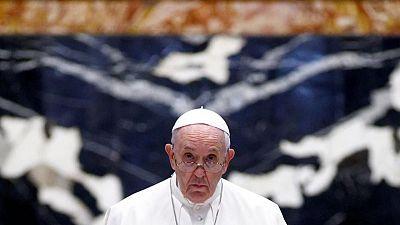 البابا فرنسيس في تحسن بعد خضوعه لجراحة في الأمعاء