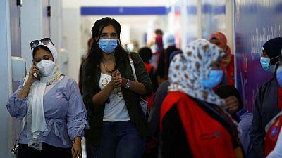 مصر تخفف قيود الإشغال في الفنادق والمطاعم ودور السينما مع انخفاض إصابات كورونا