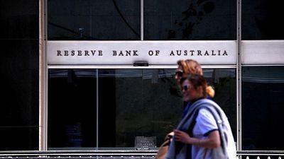 El banco central australiano reducirá los estímulos pero mantiene las tasas en mínimos