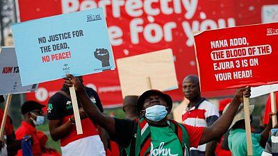 مئات من أنصار المعارضة في غانا يخرجون في مسيرة للاحتجاج على أعمال قتل