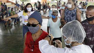 البرازيل تسجل أكثر من 54 ألف إصابة جديدة بكورونا و1648 وفاة