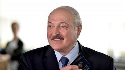 رئيس روسيا البيضاء يهدد بوقف مرور بضائع الاتحاد الأوروبي عبر بلاده إلى الشرق