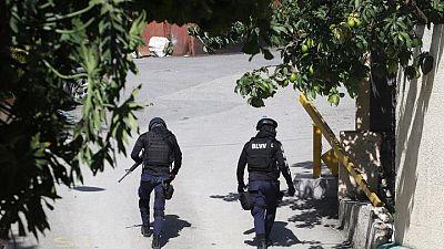 شرطة هايتي تقول إنها تشتبك بالأسلحة مع قتلة الرئيس