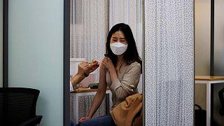 كوريا الجنوبية تسجل أكبر حصيلة إصابات يومية بكوفيد-19