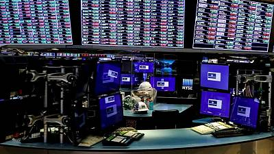 Global equity funds post outflows on virus worries - Lipper