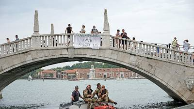 . G20 Venezia: prima protesta, sit-it 'Extinction Rebellion'
