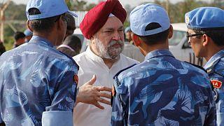 الهند تعين دبلوماسيا مخضرما في منصب وزير النفط
