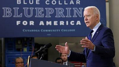Biden abordará competencia en transporte ferroviario y marítimo: fuente