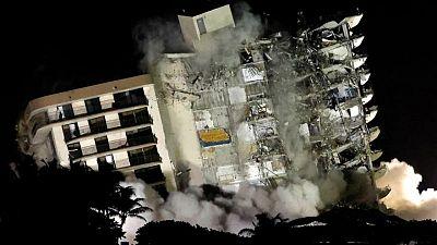 Recuperan otros seis cuerpos en edificio colapsado en Florida, total de muertos sube a 60