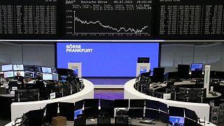 Las bolsas europeas suben al cierre de una semana agitada
