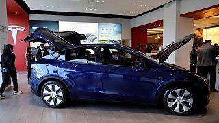 تسلا تطلق سيارة كهربائية أرخص (موديل واي) في الصين