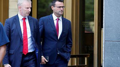 U.S. regulator drops case against two London forex traders