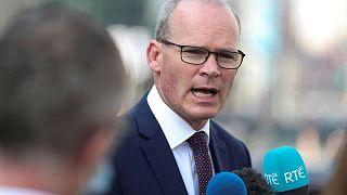 Unionistas norirlandeses acusan a Irlanda de instigar una guerra fría comercial