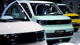 La escasez de semiconductores reduce un 12,4% las ventas de automóviles en China