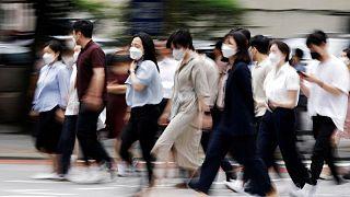 تراجع عدد الإصابات الجديدة بكورونا في كوريا الجنوبية عن مستوى قياسي قبل يوم