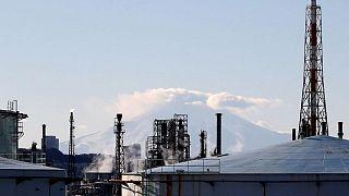 Japan govt ready to deploy economic stimulus flexibly, spokesman says