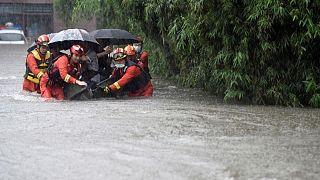 إجلاء الآلاف بسبب الفيضانات في إقليم سيتشوان الصيني