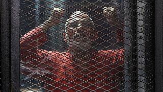 """محكمة مصرية تؤيد السجن المؤبد لعشر قيادات إخوانية في قضية """"اقتحام السجون"""""""
