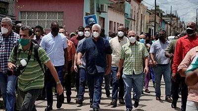 Miles de manifestantes salen a protestar a las calles de Cuba
