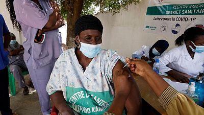 Los casos del virus en todo el mundo superan los 183,96 millones y las muertes alcanzan las 4.137.398
