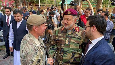 General estadounidense deja su cargo al mando en Afganistán en un final simbólico de la guerra